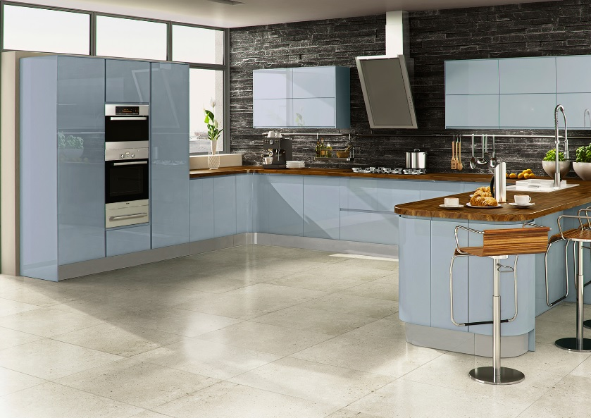 High Gloss Kitchen With Handles Fitted