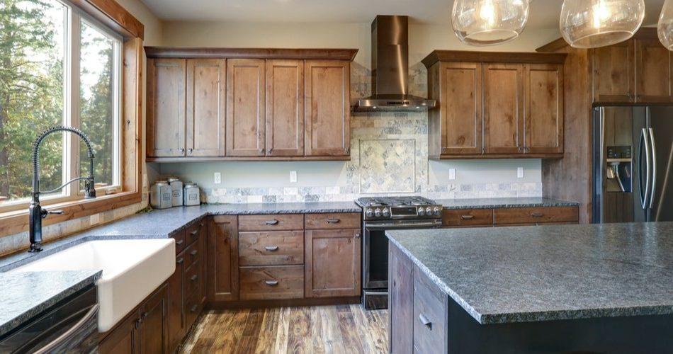 The Benefits of Solid Oak Kitchen Doors