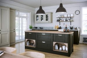 black shaker kitchen