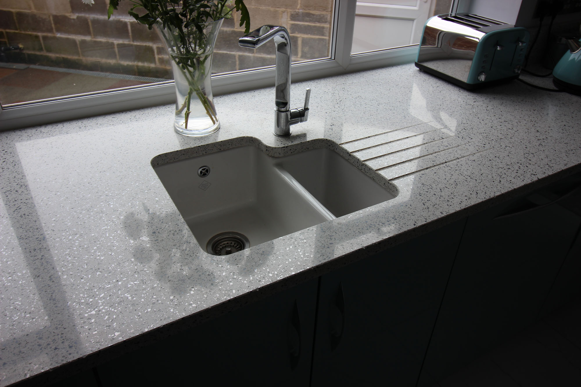 White Ceramic Kitchen Sink And Tap Set