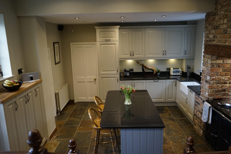 Mrs Heaton Walton Kitchen Fitting Cheap Kitchen Units