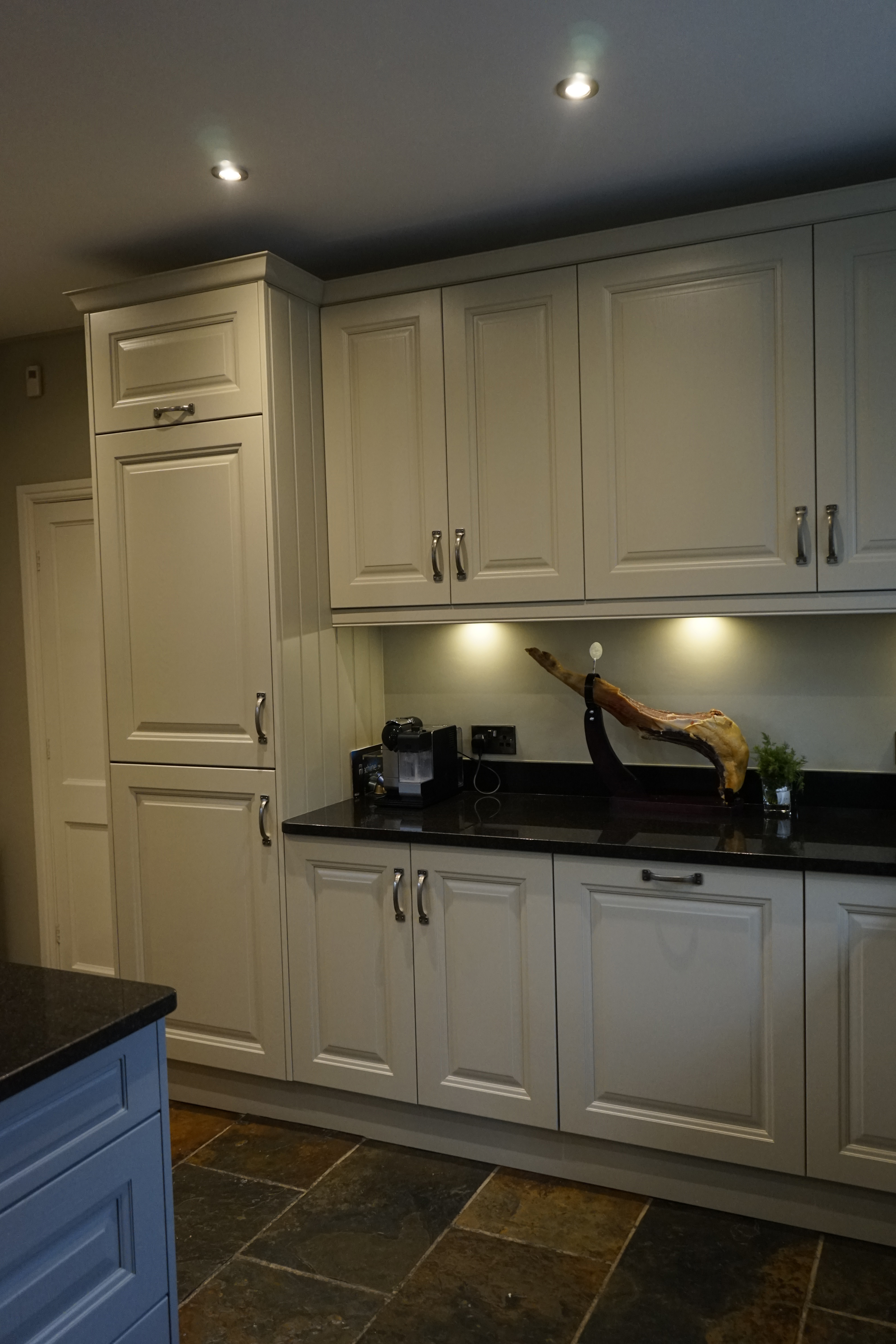 Mrs Heaton Walton Kitchen Fitting Cheap Kitchen Units